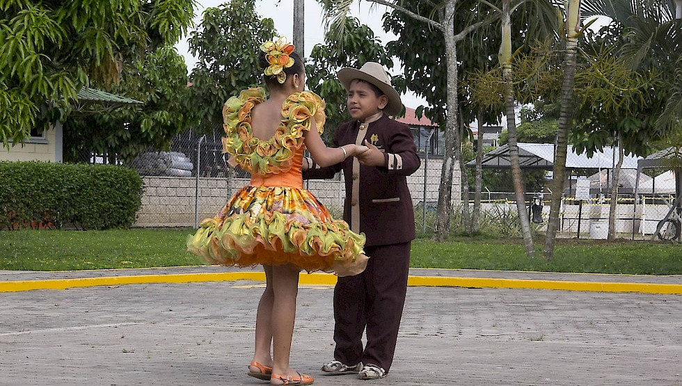 Traditional dance from the Caño Limon area - culture. Photo: ANH